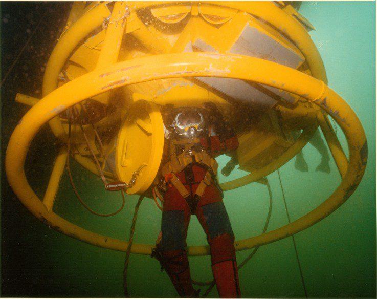diving bell, commercial diver