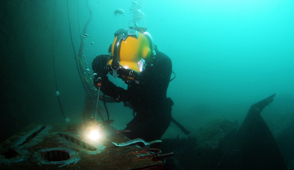 The Antithesis Of Underwater Welding Underwater Burning